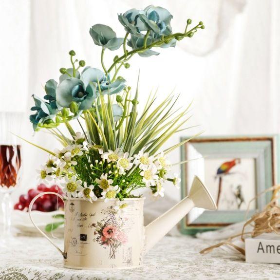 Blumen Arrangement Blau Weiß Kombination Esszimmer Ideen