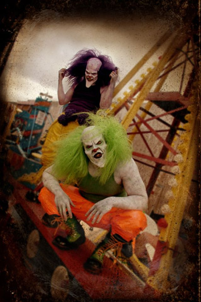 Know Before You Go Easy Guide To Six Flags Magic Mountain Scary Clowns Horror Movie Art Digital Art Fantasy