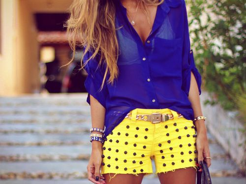 Style - essential details. Blue and Yellow shorts outfit