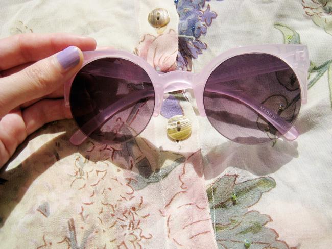 En Route Pour La Normandie Indie Sunglasses Sunglasses Girls With Glasses