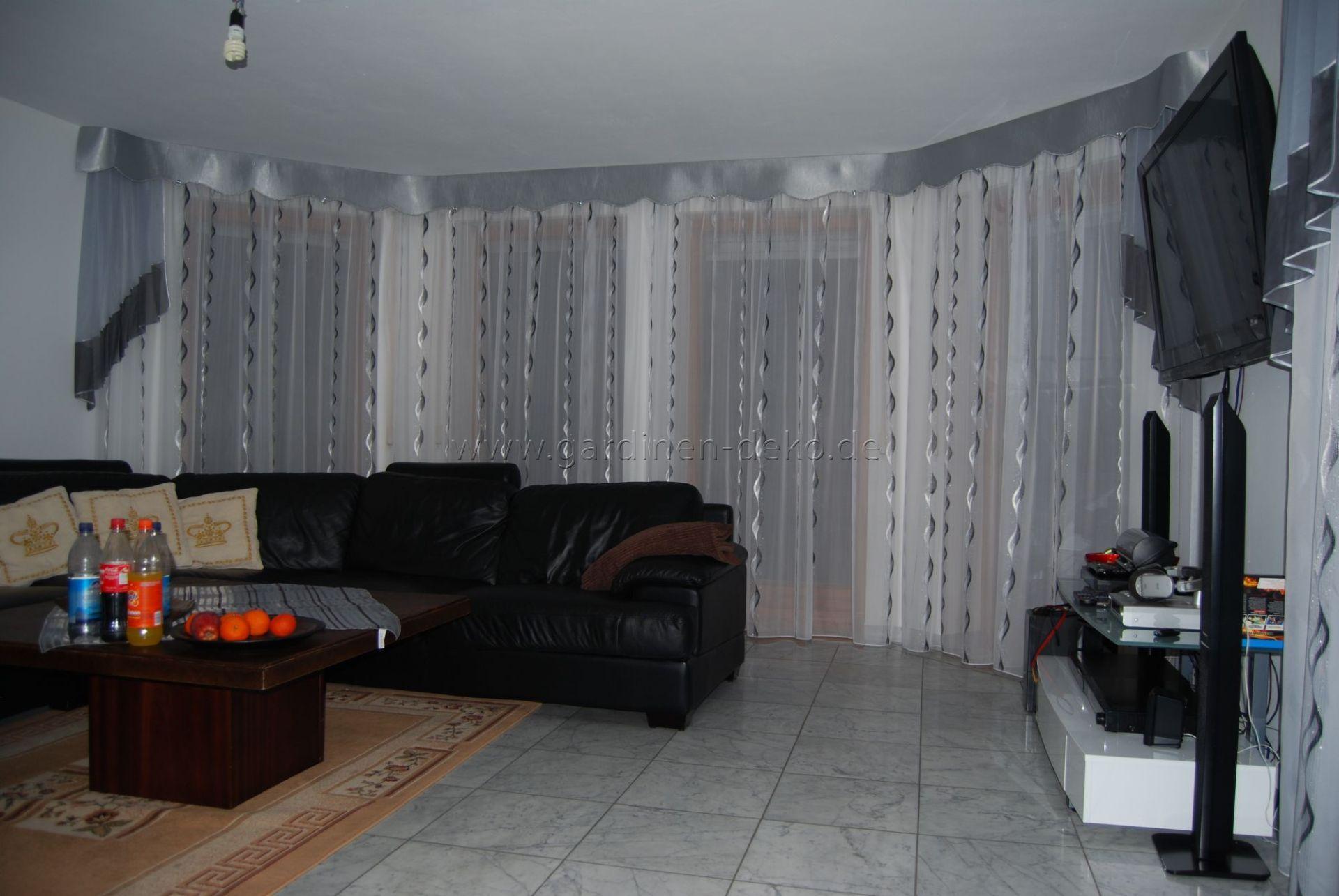Wohnzimmer Gardine in klassischem Stil in silber, grau und weiß ...
