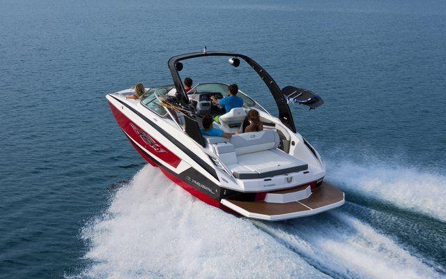 24 FasDeck Deck Boat from Regal Boats | pontoon boat | Deck boat