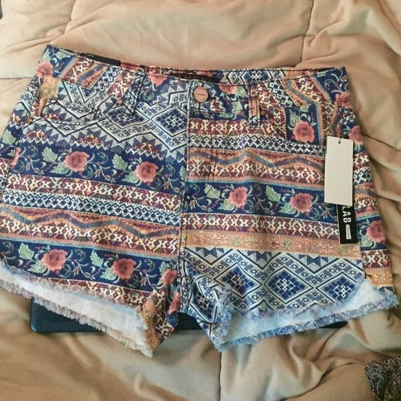 Tinsel Aztec Floral Shorts Mid-waisted, 100% cotton shorts decorated with an exclusive Lord & Taylor Design Lab print that features aztec patterns and florals. Never worn. Lord & Taylor Shorts Jean Shorts