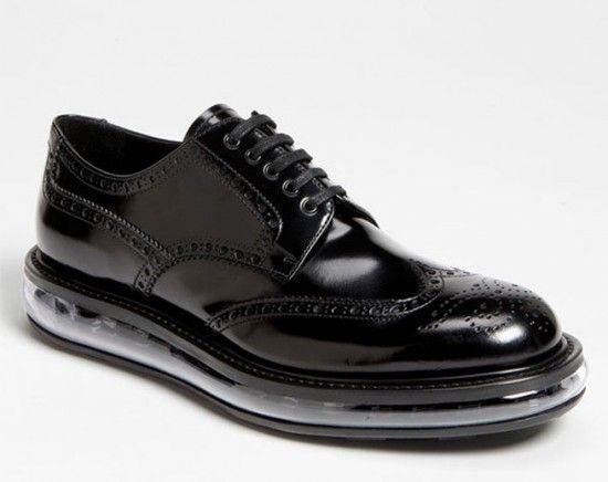 Tradicional e esportivo, o novo sapato do outono-inverno 2012/13 da Prada