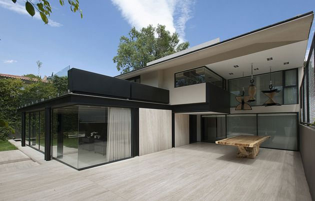 Home Expansion Adds Steel And Glass To Concrete Structure