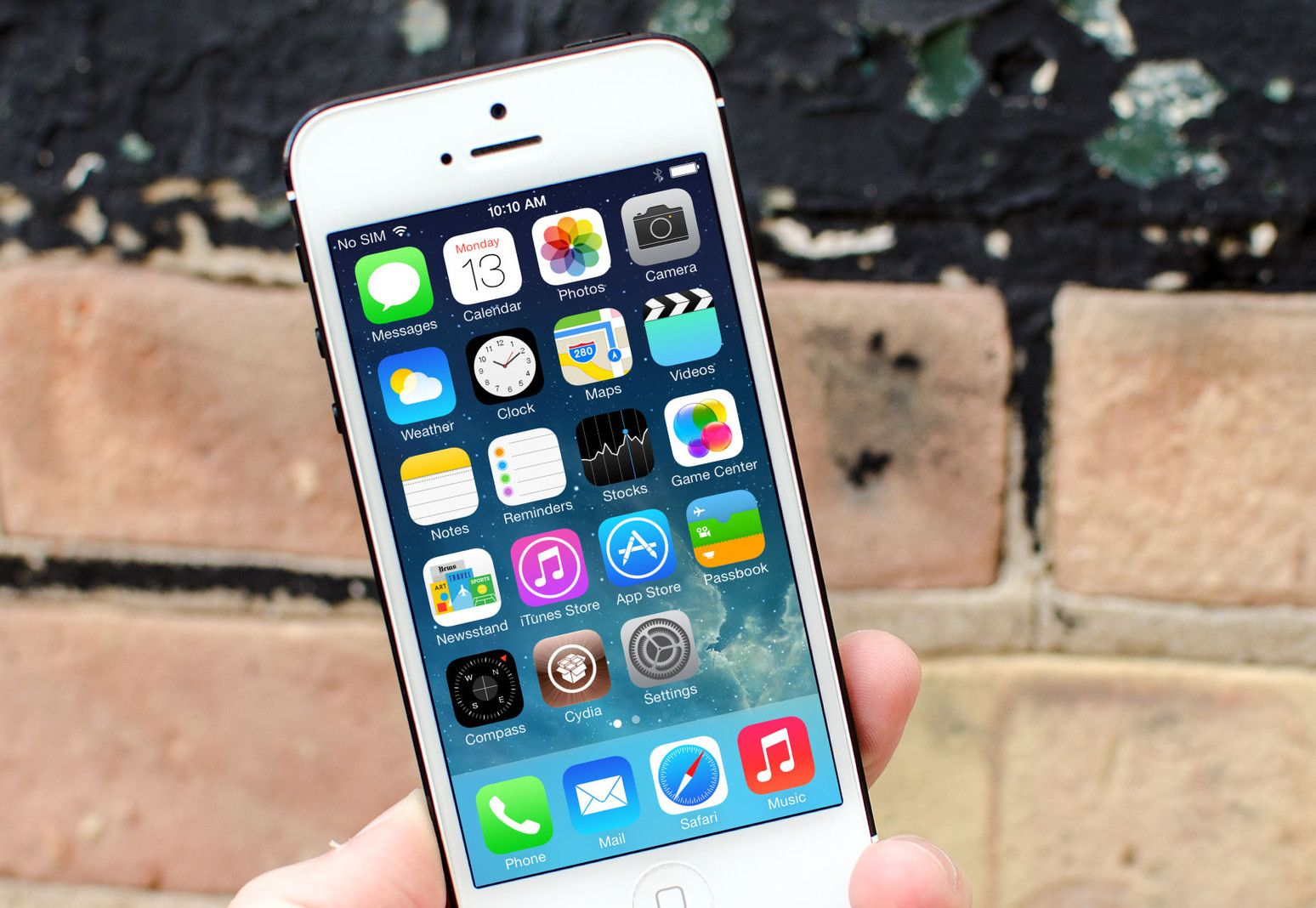 How to hide stock apps in ios 71 iphone ipod touch ios 7