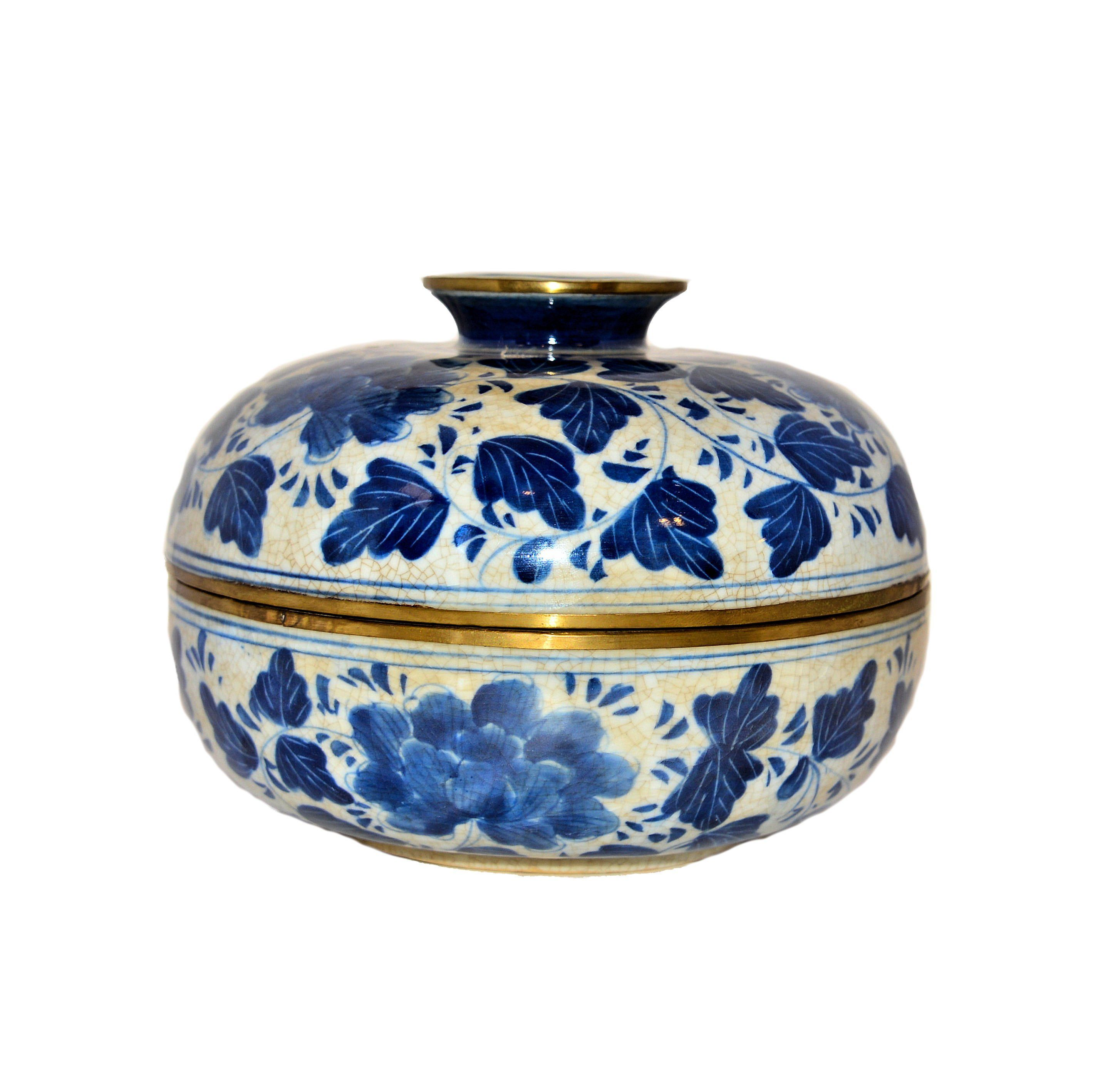 Antique Blue And White Ceramic Jar From Thailand Dimensions 8 Wide X 5 50 High Weight 3 6 Lbs Azul Bule