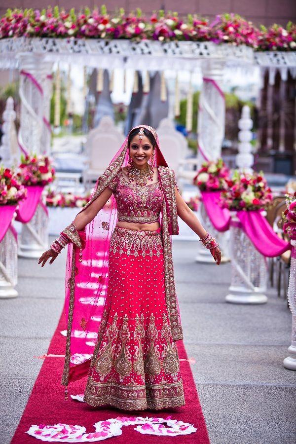 Beautiful Bride and Setting | India mi Amor | Pinterest | India ...
