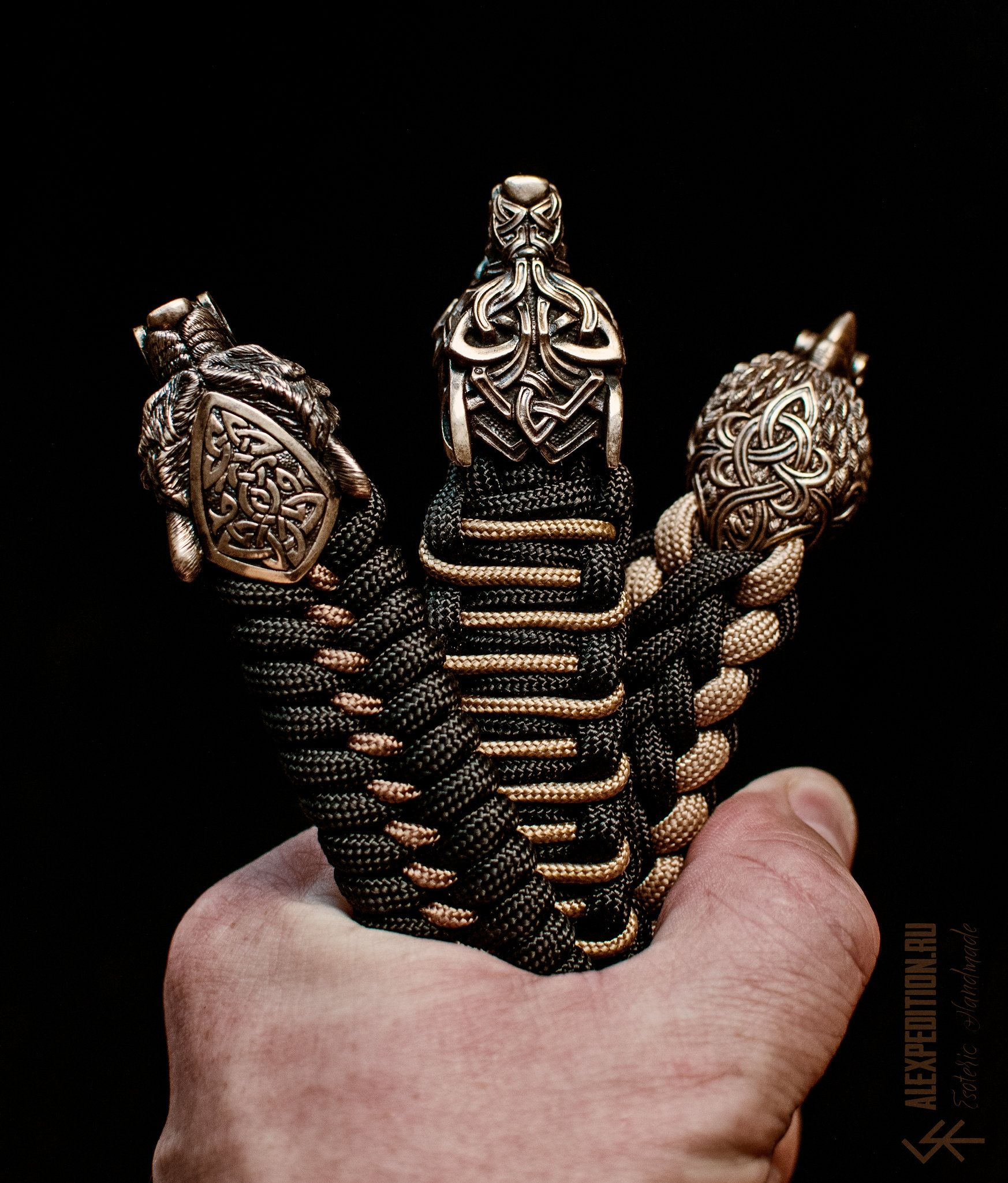how to make a paracord bracelet with buckle