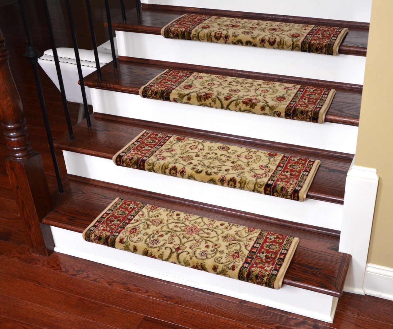 Best Dean Non Slip Tape Free Pet Friendly Stair Gripper Bullnose Carpet Stair Treads Classic Keshan 640 x 480