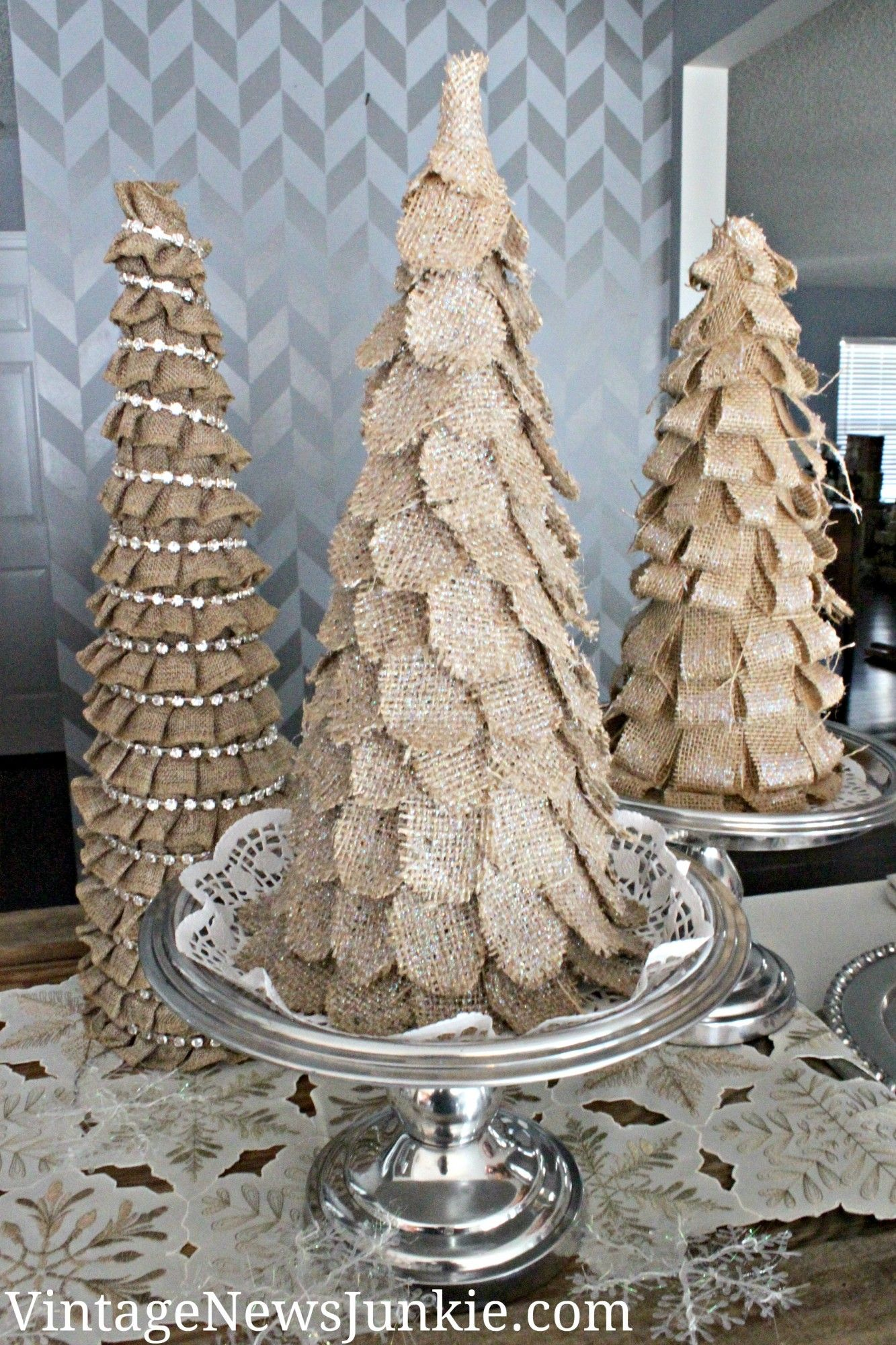 Sparkly burlap christmas tree target inspired you ve for Burlap christmas curtains