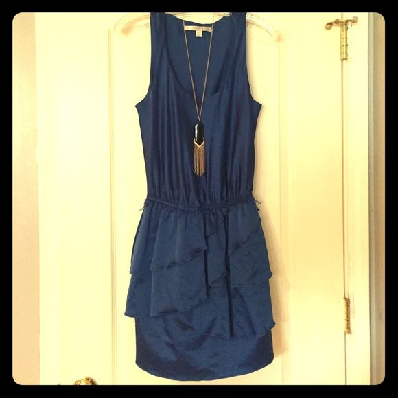LC Lauren Conrad Dress Gorgeous royal blue dress by LC Lauren Conrad! Has elastic around the waistline, so there is a bit of stretch. Also has loops for a stylish belt to be added to the outfit. *Necklace not included* LC Lauren Conrad Dresses Midi