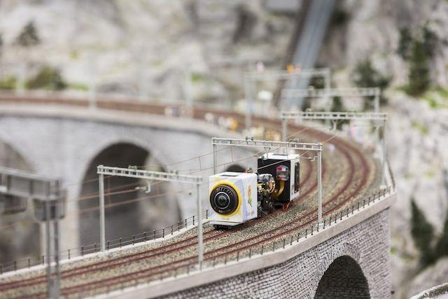 Explorez le plus grand monde miniature du monde avec Google Street - maquette de maison a construire