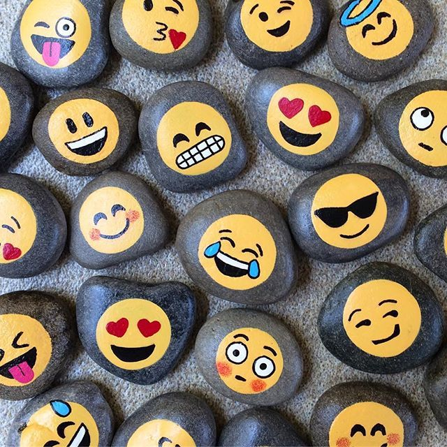 Blowing Kiss Mini Emoji Painting Mini Sized Acrylic Painting Emoji Hand Painted Kissing Canvas Mini Canvas Art Emoji Painting Canvas Painting Diy