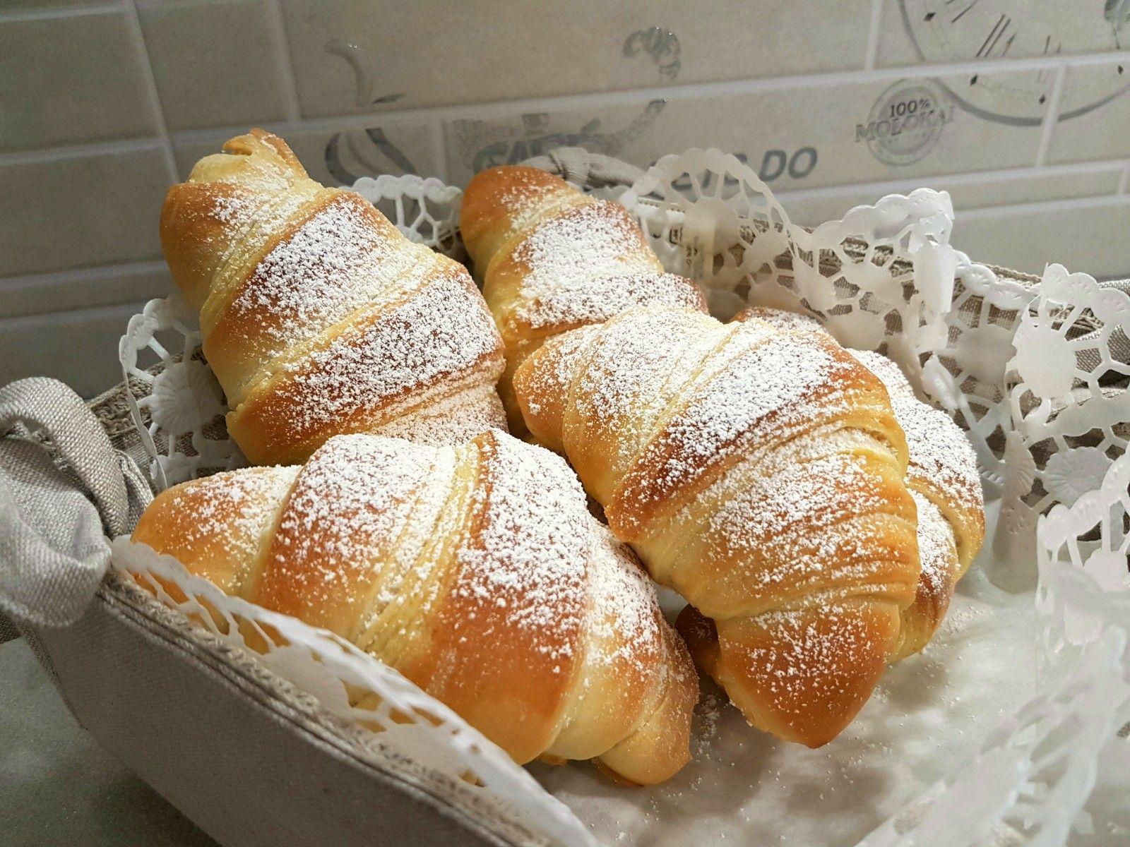 1940901d5569ba76e05ef0eb6bb8ce47 - Croissant Ricette