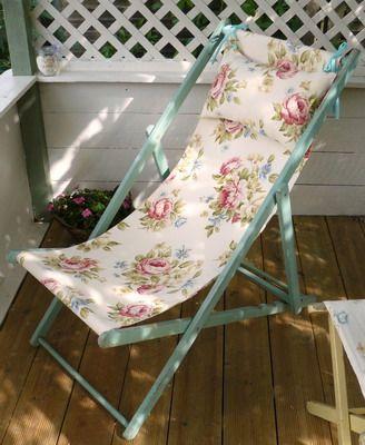 Superbe Painted Floral Deck Chair   Vintage Lifestyle