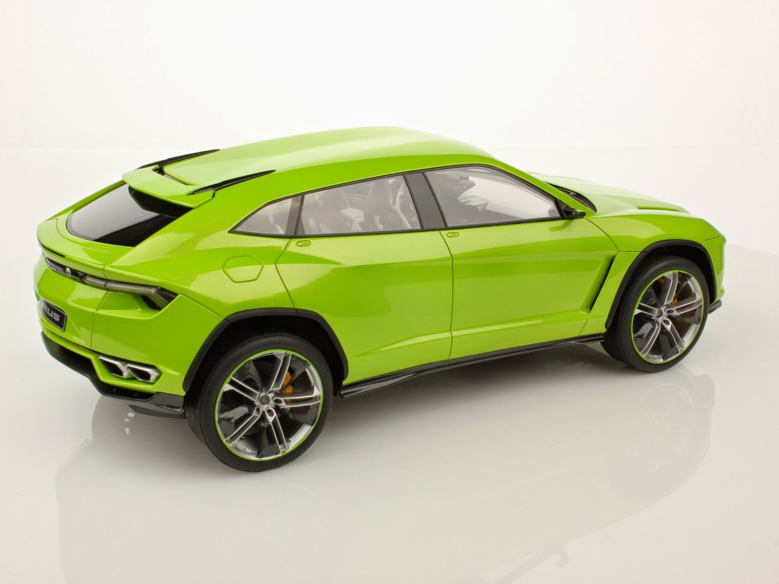 Lamborghini Urus Suv Will Have Similar Pricetag To Huracan Lamborghini Lamborghini Huracan Suv