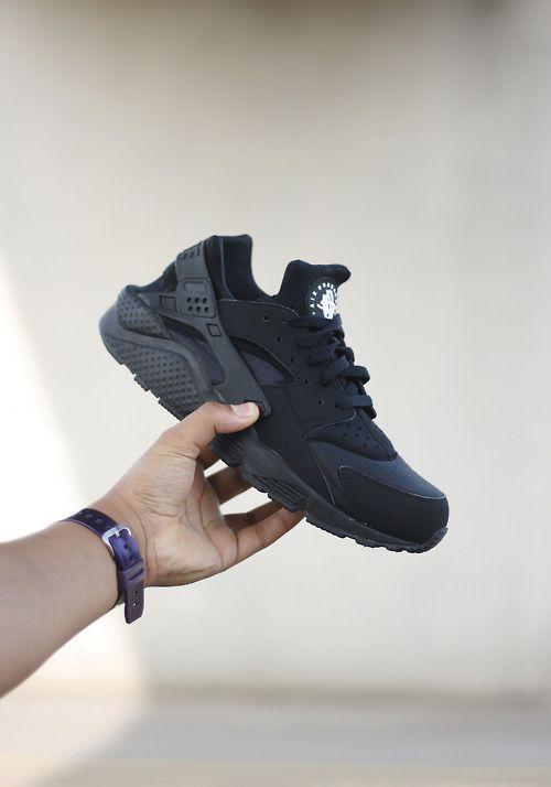 pretty nice a17ad 90ef0 Nike Huarache Le Black Blackout