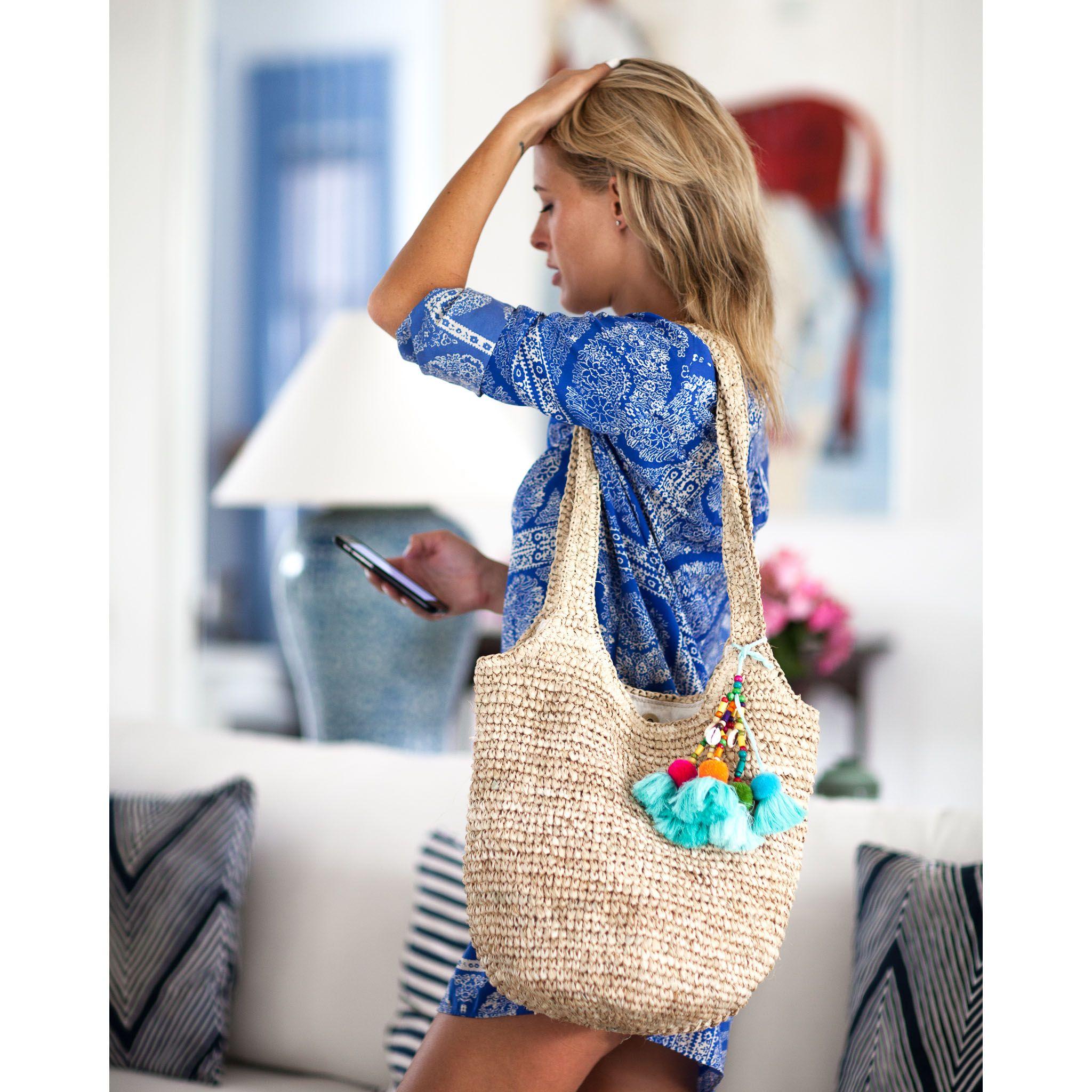 Straw Hobo Bag In Natural Raffia
