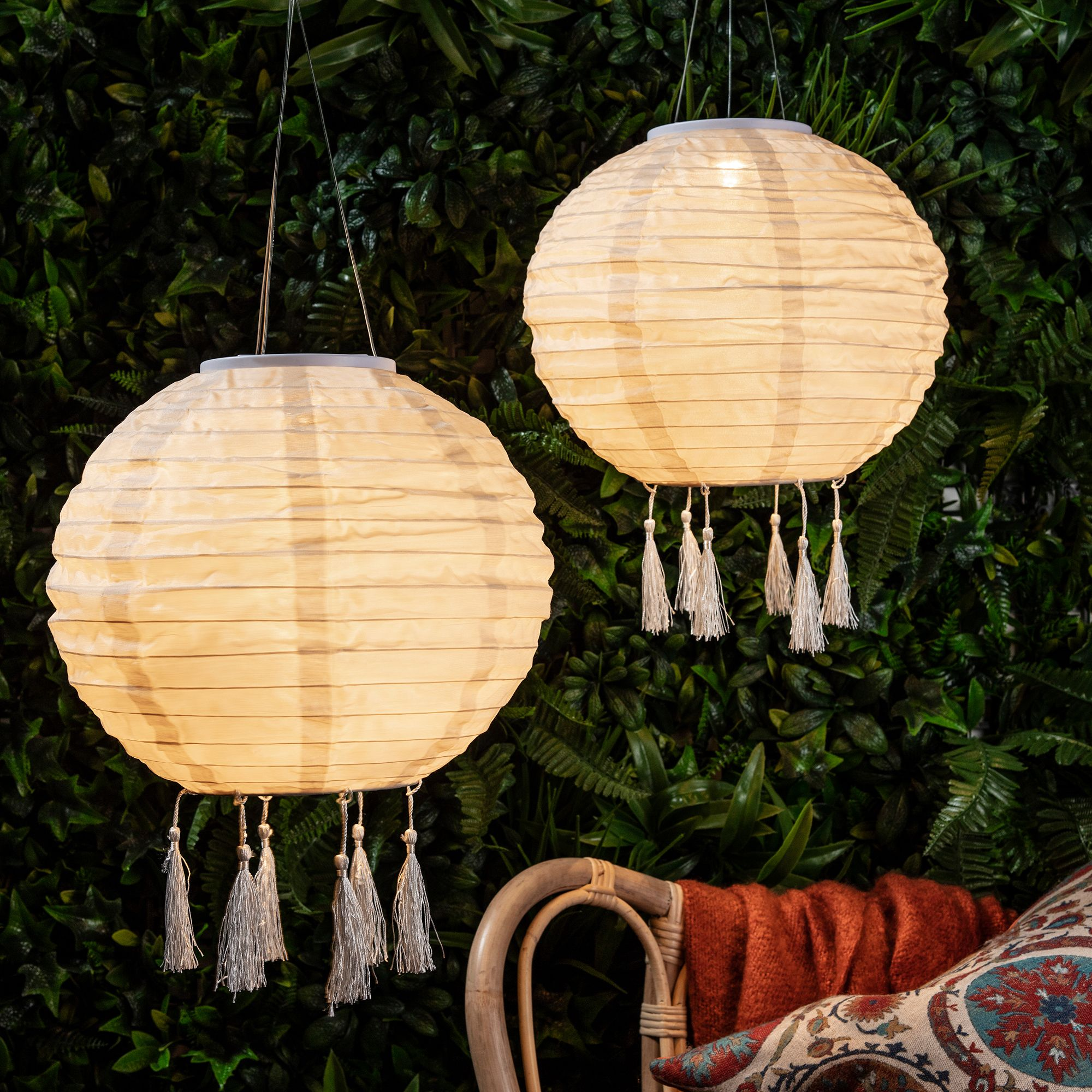Create A Laid Back Outdoor Living Space Fit For Balmy Summer Evenings With This Solar Hanging Lanter Solar Hanging Lanterns Solar Lanterns Solar Lantern Lights