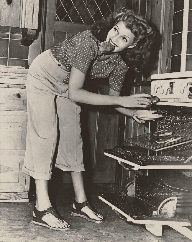 Rita Hayworth at home, 1942