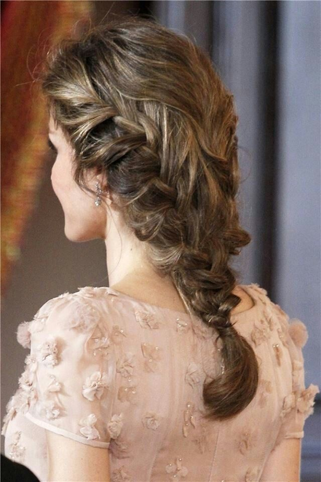 Princess Letizia's hair braid is stunning whimsical romantic and classy with a tinge of innocence. Beautiful hairstyle for a young bride.