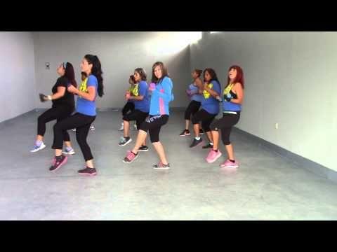 ZUMBA TONING - QUE SUENEN LOS TAMBORES - YouTube