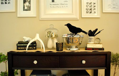 Creepy DIY Halloween Decor (Spiders, Snakes, and More Classy - classy halloween decor