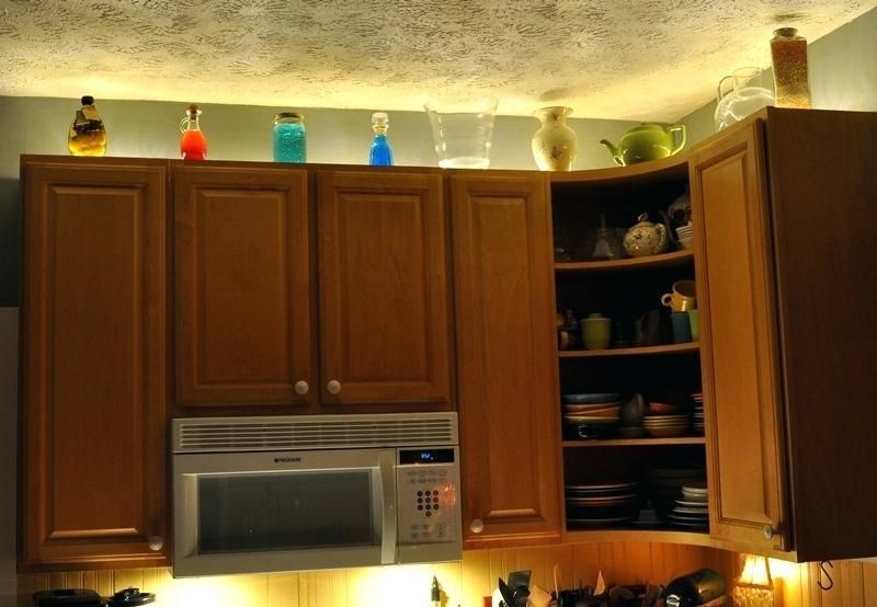 above kitchen cabinet lighting above
