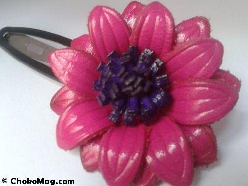 grande barrette fleur en cuir rose et violet accessoires cheveux chics   theouchocolat 4dd44e5907e