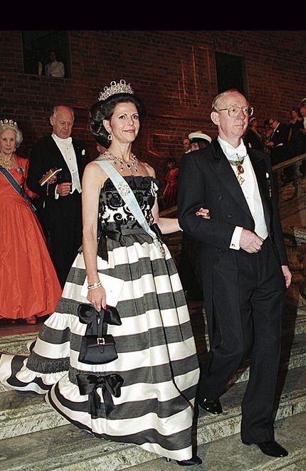 ... inför Nobel! Ja, nästa vecka är det alltså dags för festernas fest. Såg precis att Ebba von Sydow lagt in lite klänningsinspiration i sin blogg - och jag ska väl inte vara sämre jag....