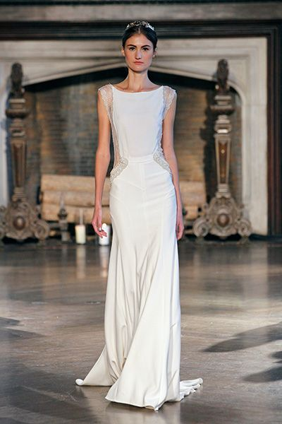 Original #Brides out there, have a look at these amazing #weddinggowns! Marvelous bridal Cut-Outs and Crop Tops are trending and are a good way to be stunningly original and yet elegant and chic!