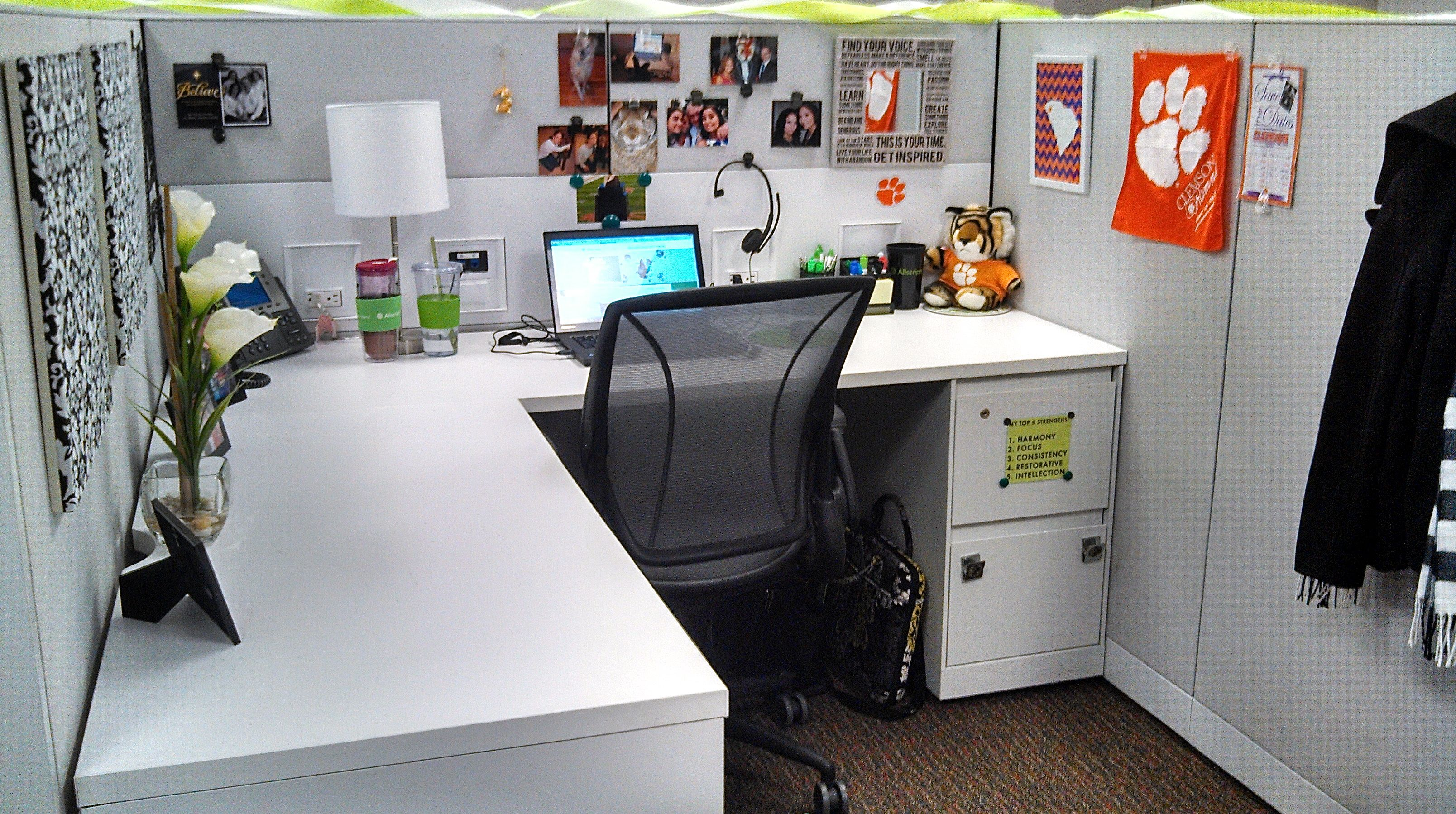 Pin By Clemson Amanda On Carry On Style Business Chic Cubicle
