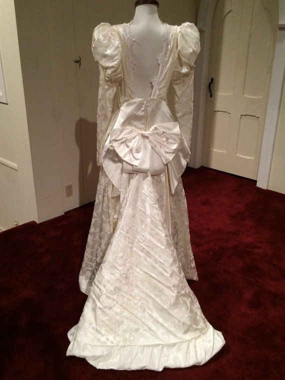 1990 jessica mcclintock wedding gown ivory by weddingchapelgowns 1990 jessica mcclintock wedding gown ivory by weddingchapelgowns junglespirit Image collections
