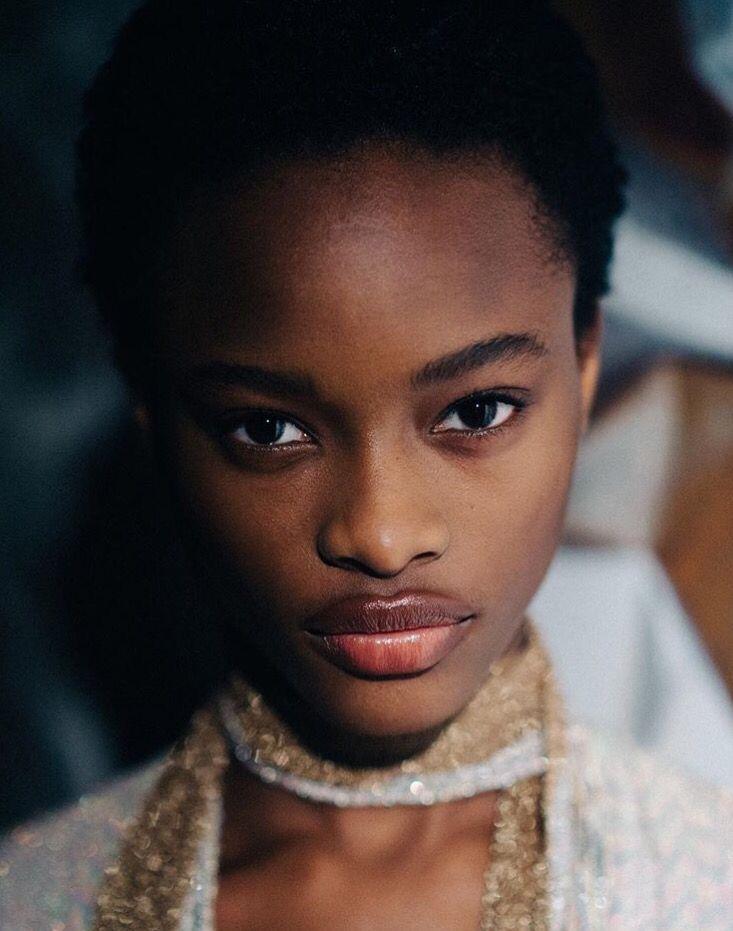 video-models-black