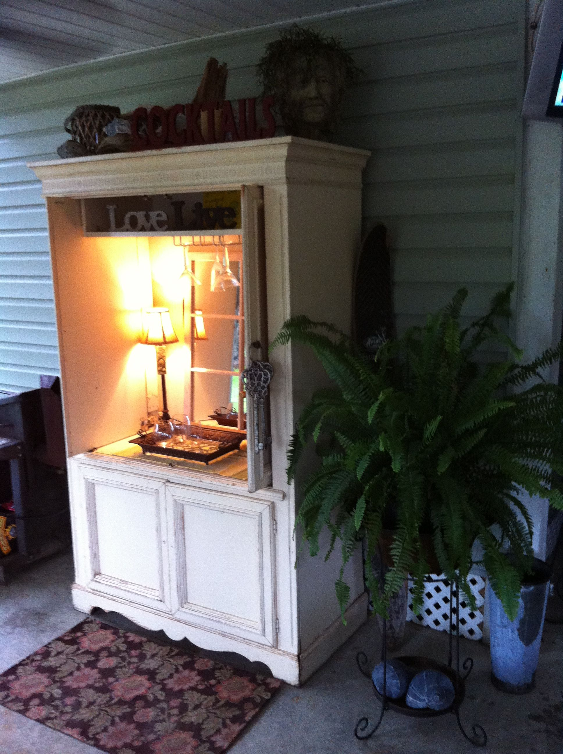 Ordinaire Repurpose An Old TV Armoire Into A Great Outdoor Piece! Perfect For Mini  Bar!