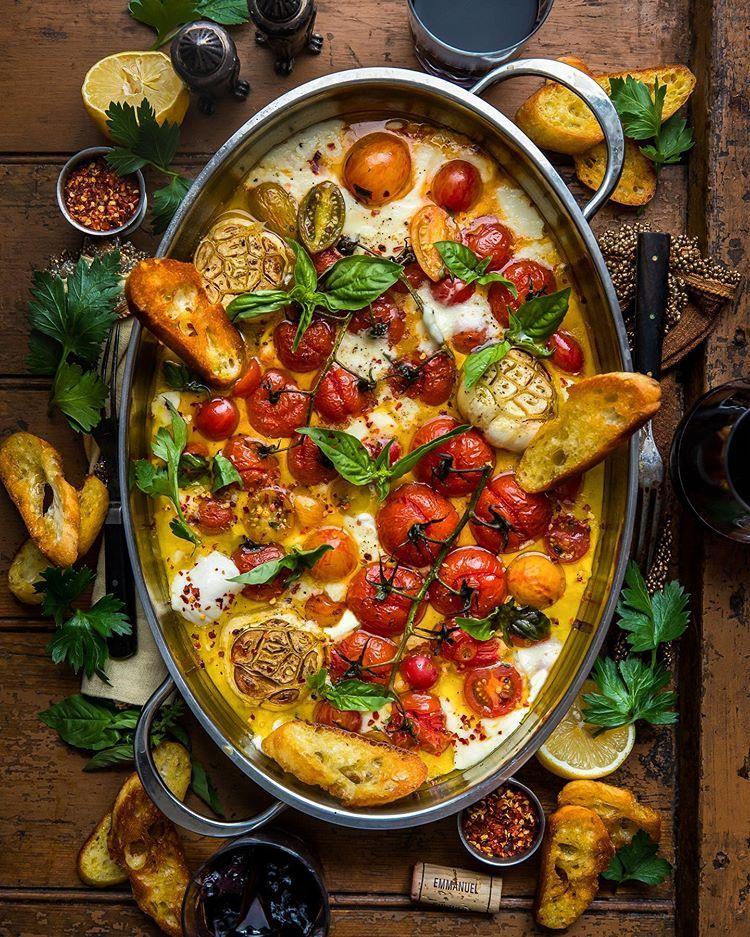 Monday Comfort = Cheesy, Garlicky, Roasted Tomato