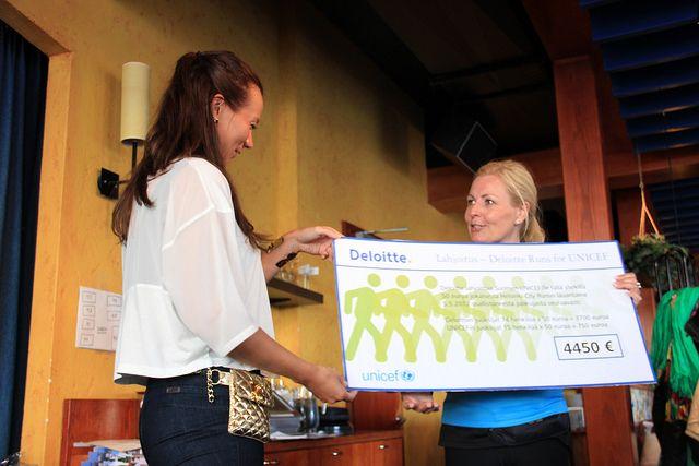 Deloitte haastoi Suomen UNICEFin juoksemaan Helsinki City Run-puolimaratonin 5.5. 2012