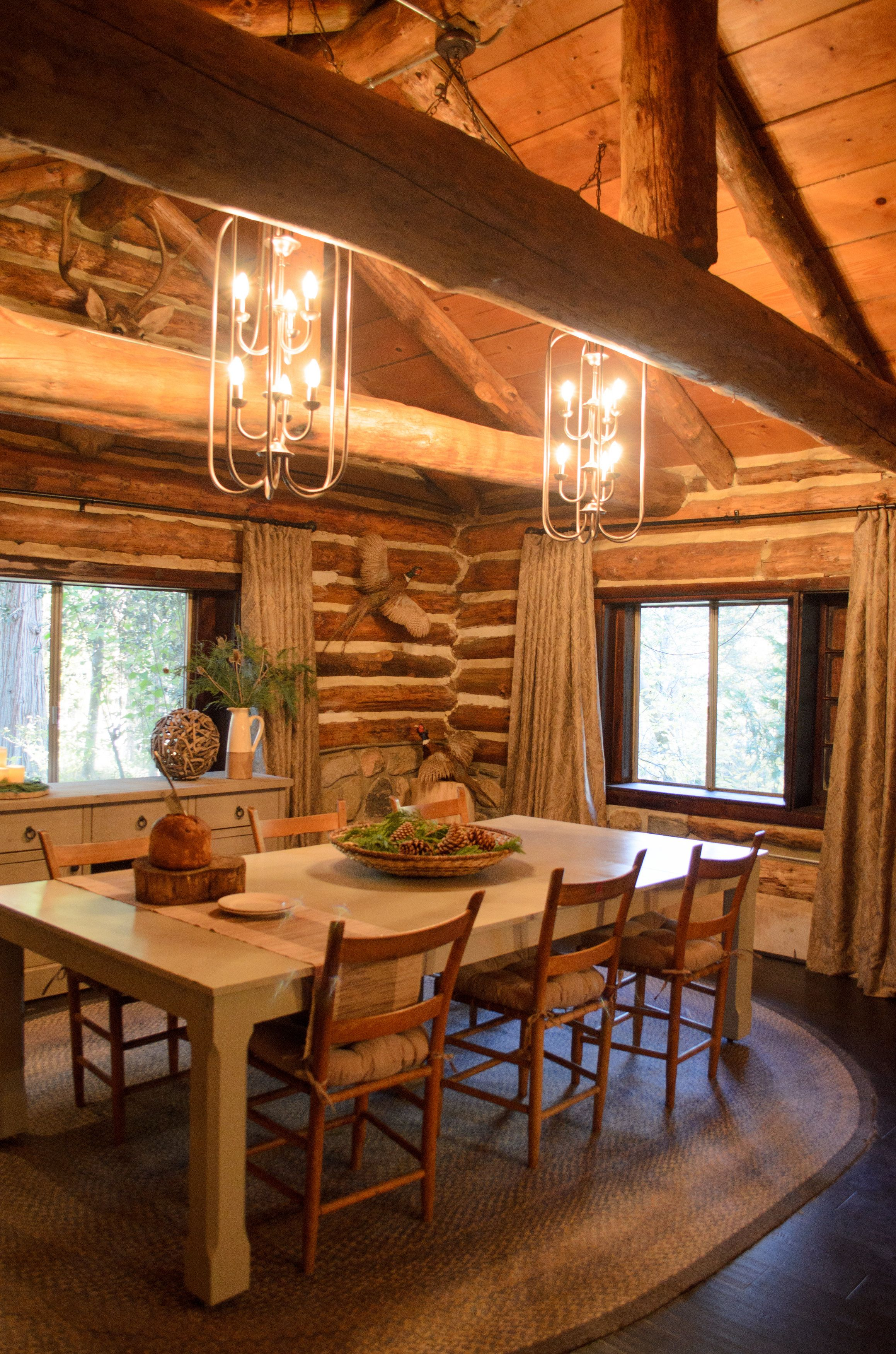 this cabin inspired dining room is stunning dreambuilders rh pinterest com