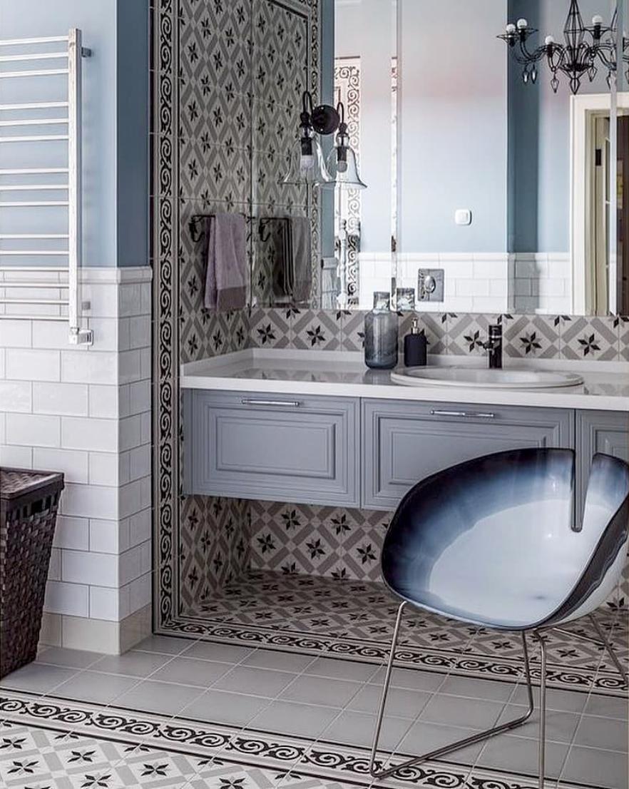 Peinture Pour Wc Ceramique mobilier de salle de bain bleu gris carrelage en céramique