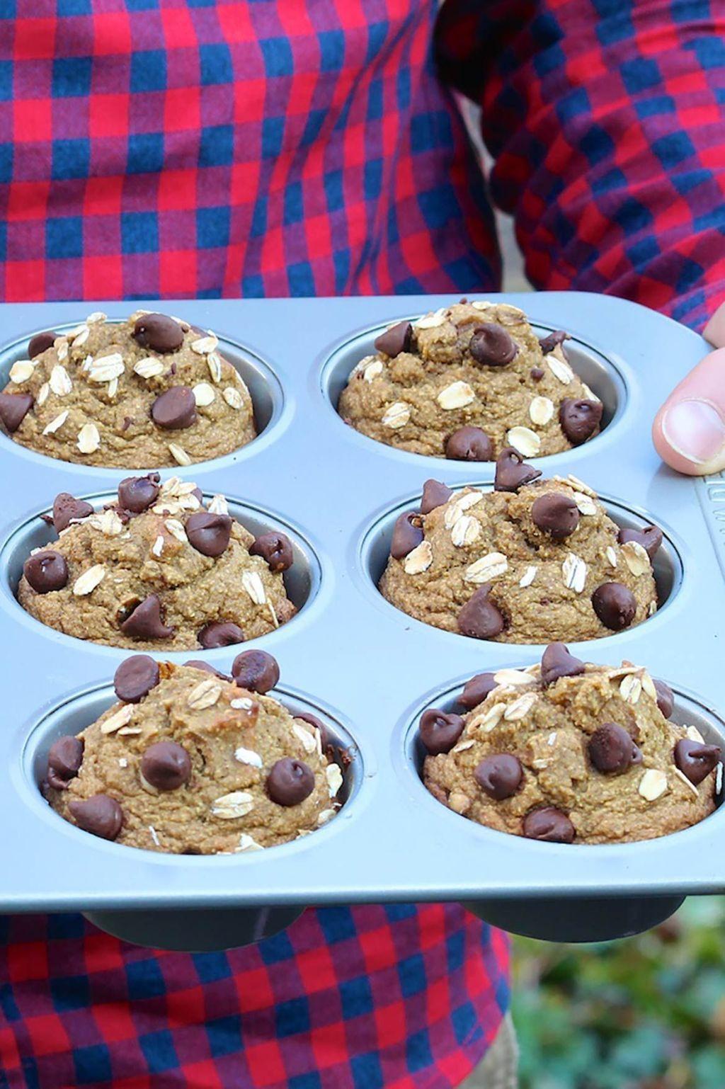 Healthy 5 (or 6) Ingredient Blender Muffins -sweetened
