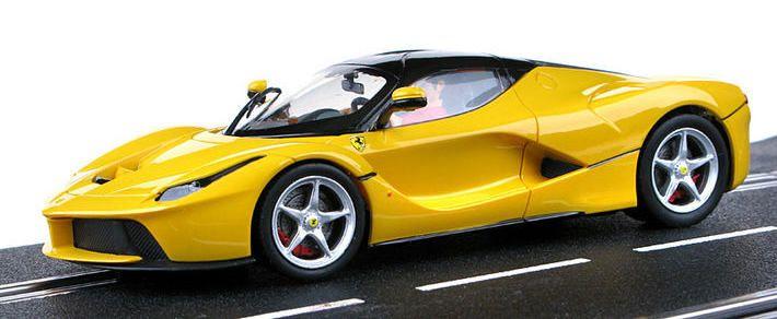 Carrera Evolution - LaFerrari Yellow (27458) - Carrera Evolution - LaFerrari Yellow (27458) - seitlich #slotcar #autorennbahn #laferrari #carrera