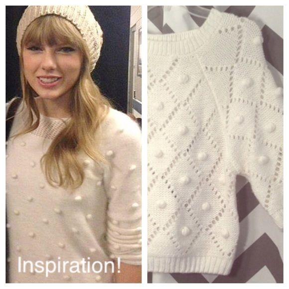 🎉 MIZUMI Pom Pom Sweater MIZUMI off-white, 3/4 sleeve, pom pom sweater. Size: M Mizumi Sweaters Crew & Scoop Necks
