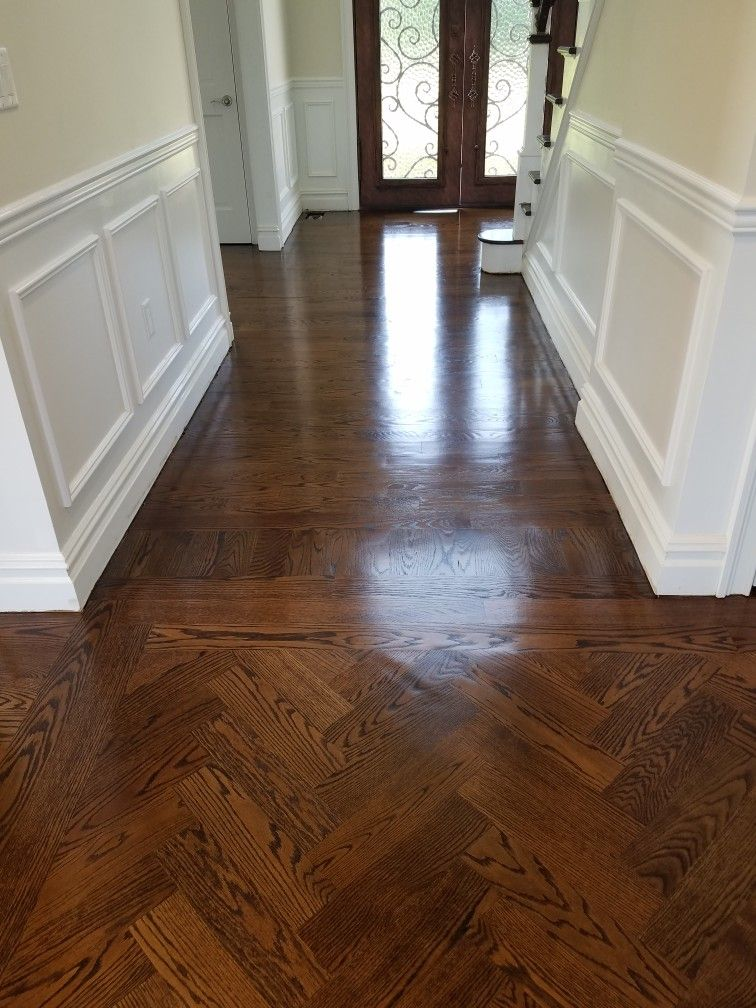 Our Floors Unfinished 4 Inch Planks Of Red Oak Minwax Colors Dark Walnut And Early American 50 50 Hardwood Floors Flooring Oak Floor Stains