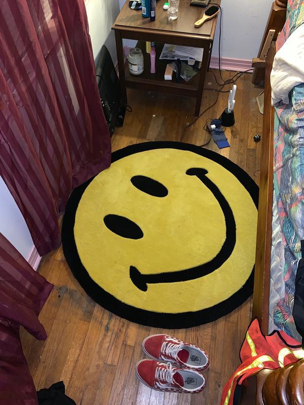 Chinatown Market X Smiley Uo Exclusive Smiley Plush Rug Plush Rug Dorm Room Designs Rugs