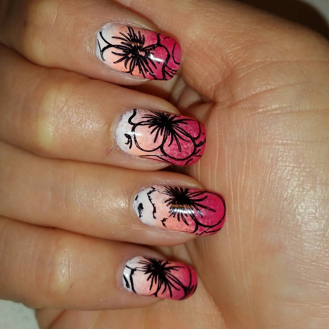 Tropical summer nails with pink ombre  #nailart #nailartclub #nailartaddict #nailartoohlala #nailartwow #nailartjunkie #nailartaddicts #nailartist #nailartdesign #nailartofinstagram #nailarts #nailartcult #nailartdesigns  #nailartappreciation #nailartlove #nailartlover #ombrenails #pink #floral