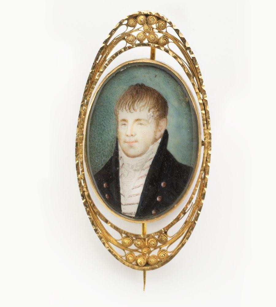 Brooch Portrait of Johan Henrich Hesselmann, shopkeeper. By Christian Ernst Heggen, 1813