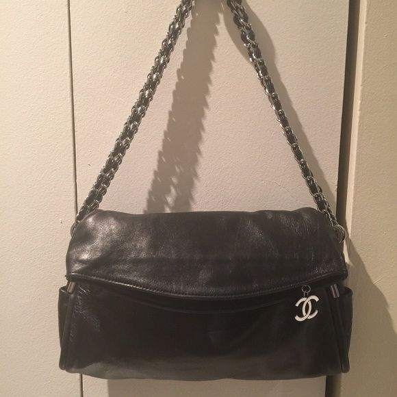 ec8545a7dec77f HP100% authentic Chanel black foldover bag 100% authentic Chanel black  signature bag, top lamb leather, beautiful hardware, almost new.