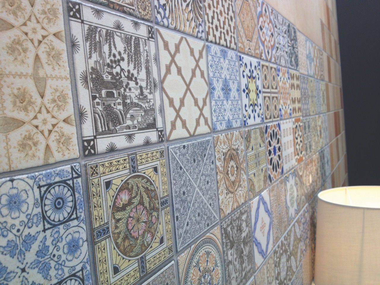 Vintage Style Pattern Wall Tiles that can be used as kitchen splash ...