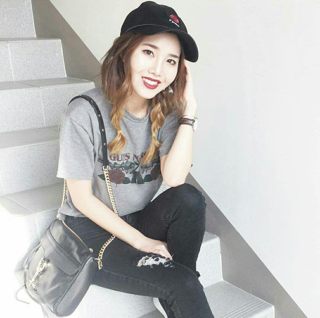 Joan Kim || South Korea || Fashion inspo || Casual × Street style